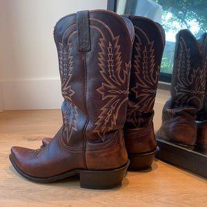 🦄 Handsome pair of men's cowboy boots 🤠